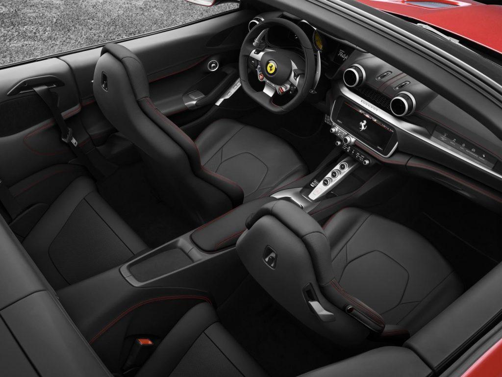 Interni della Ferrari Portofino
