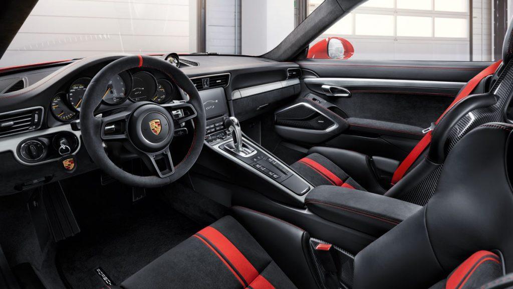 Interni della Porsche 911 GT3