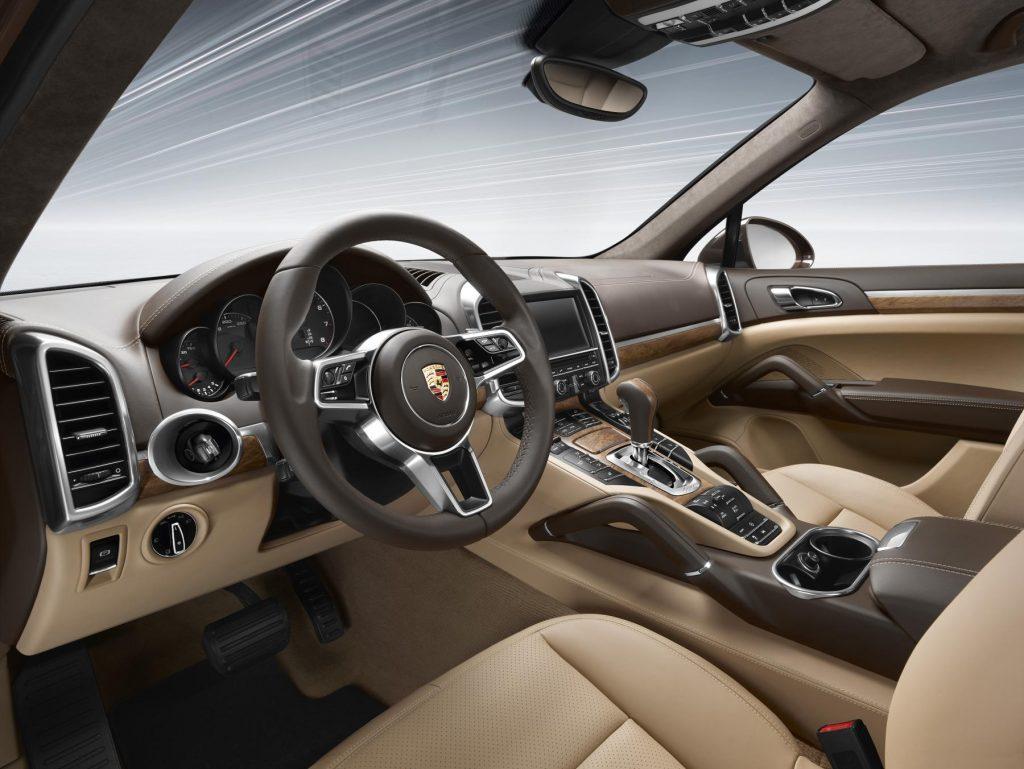 Interni della Porsche Cayenne