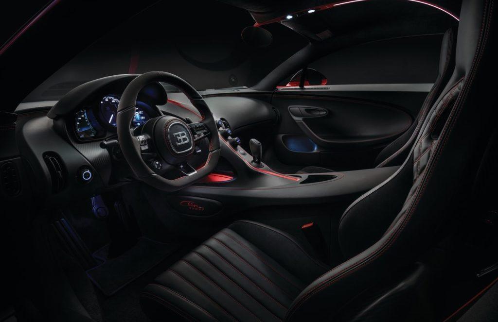 Interni della Bugatti Chiron Sport