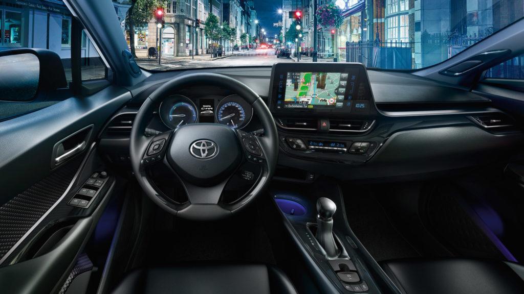 Interni della Toyota CH-R