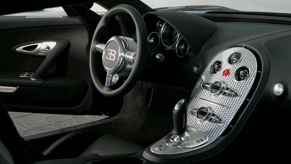 Interni della Bugatti Veyron 16.4