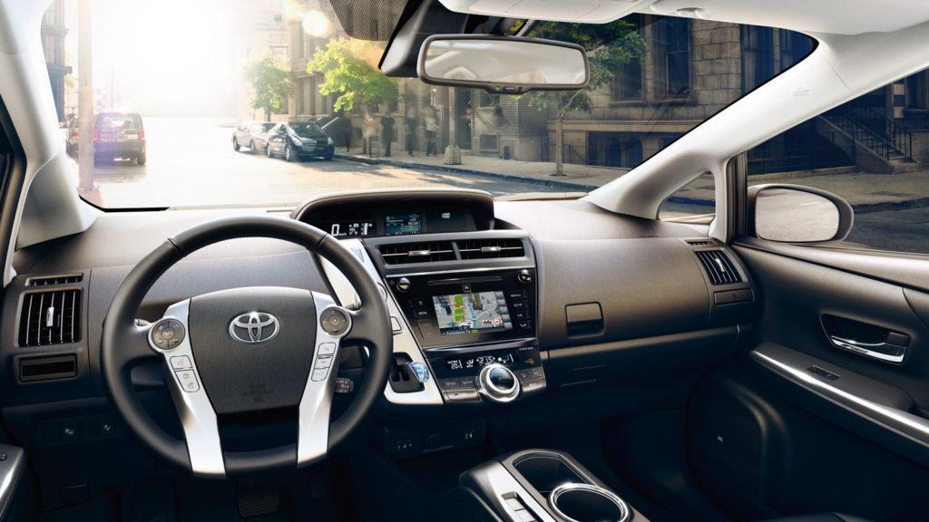 Interni della Toyota Prius+