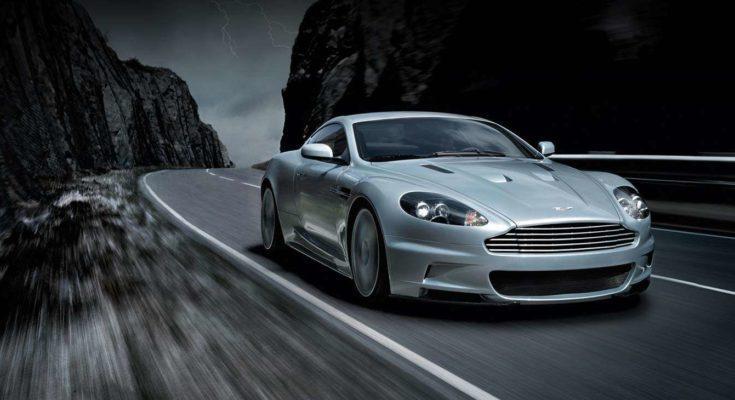 "Aston Martin DBS Coupé: la sportiva ""elegante"" con un potente motore V12"