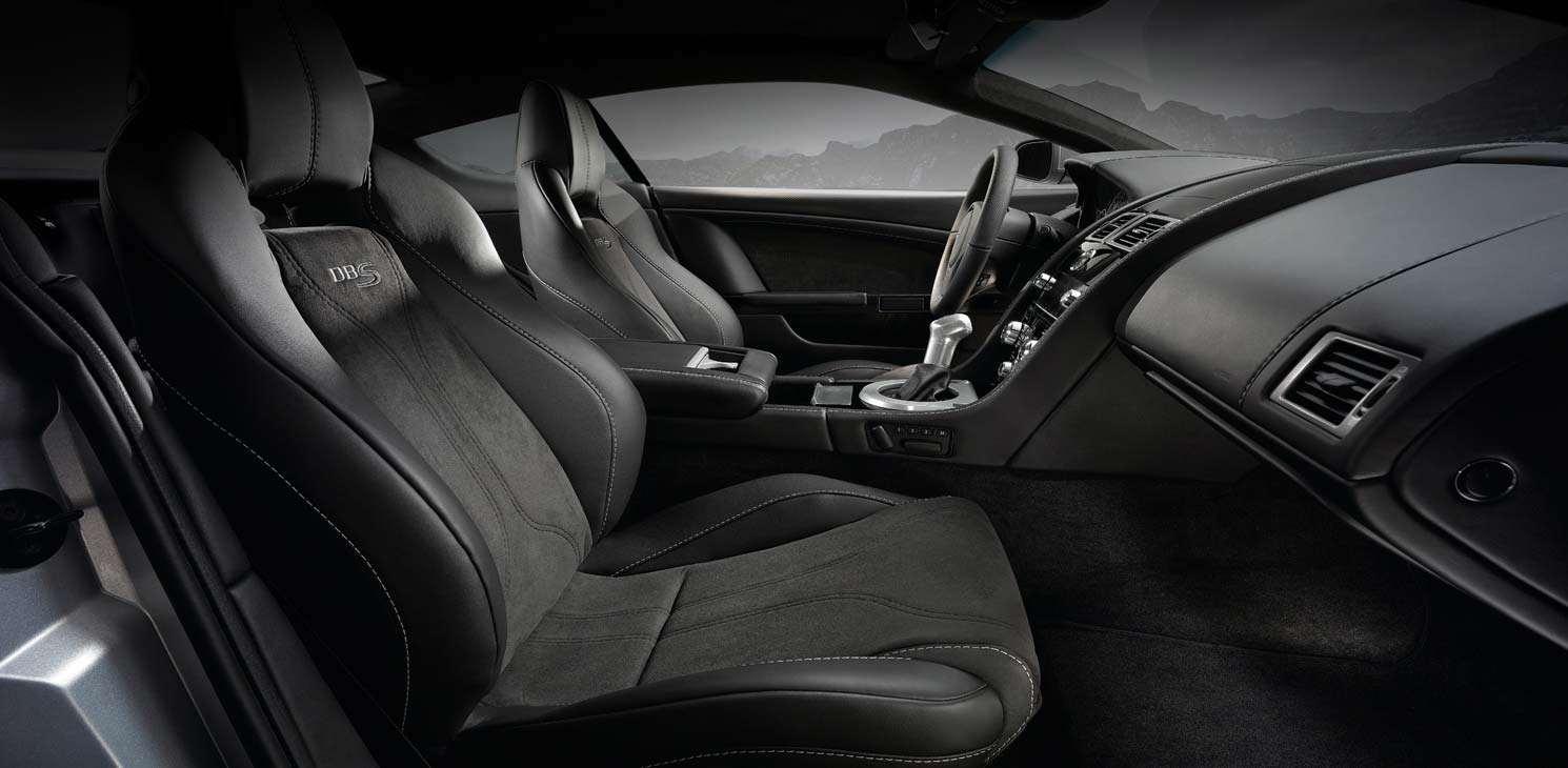 Interni della Aston Martin DBS Coupé