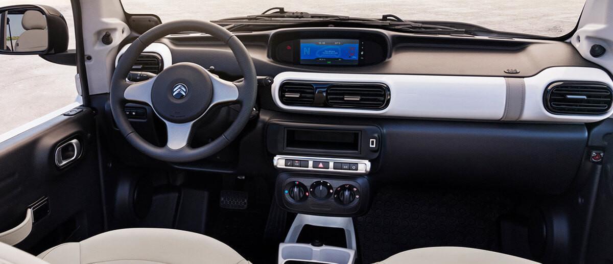Interni della Citroën E-Mehari