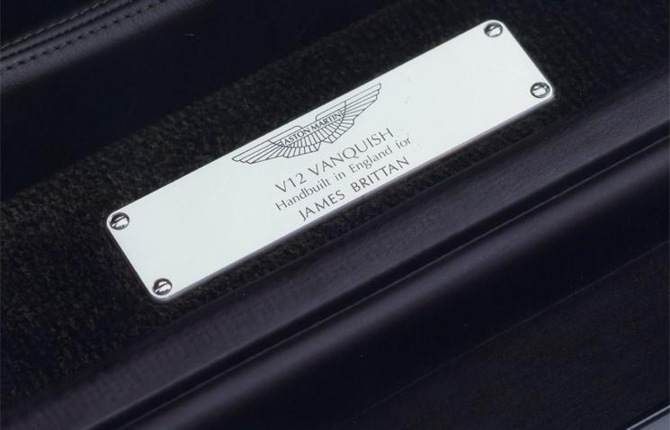 Dettagli della Aston Martin V12 Vanquish